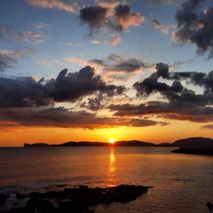 Surroundings: Capo Caccia, sunset - Photo: Monica Sanna