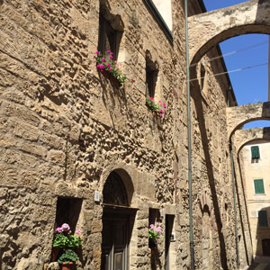 Surroundings: Alghero, old town - Photo: NetFabric Web Solutions